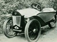 Так кто же из них может носить звание — первый самодельный легковой автомобиль