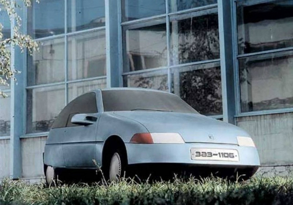 Прототипы автомобилей СССР - ЗАЗ-1106, вид спереди.