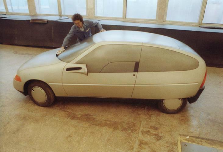 Прототипы автомобилей СССР - ЗАЗ-1106, макет в работе.