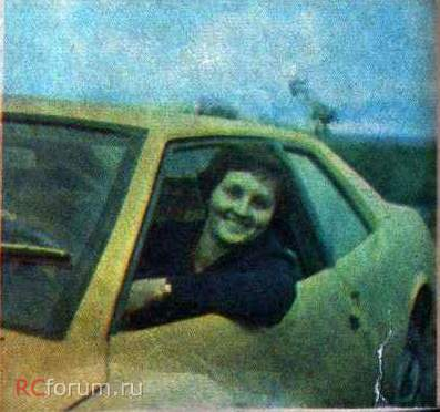 Лариса Попова за рулем автомобиля  Спорт-1500.