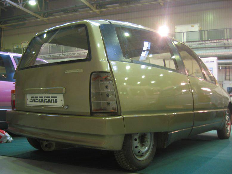 Прототипы автомобилей СССР - автомобили НАМИ Дебют и Компакт. НАМИ-0284 Дебют, вид сзади.