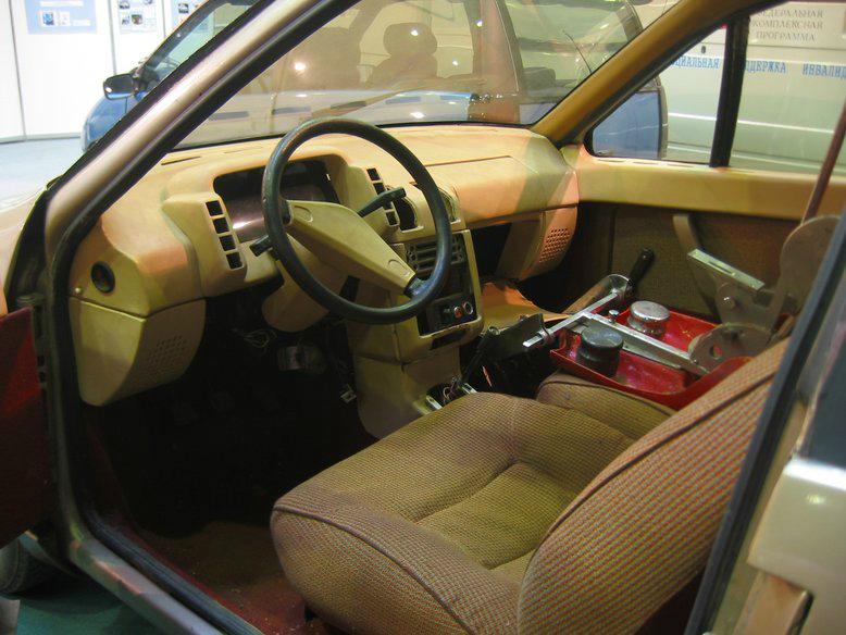 Прототипы автомобилей СССР - автомобили НАМИ Дебют и Компакт. НАМИ-0284 Дебют, интерьер.