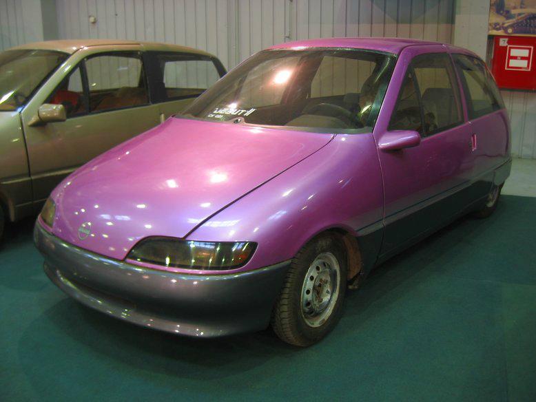 Прототипы автомобилей СССР - автомобили НАМИ Дебют и Компакт. Дебют-2, вид спереди.