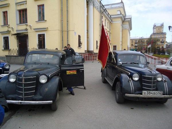 Два брата - 401-е Москвичи.